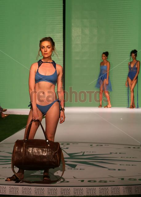 Swim week fashion show (10) - Read Photos