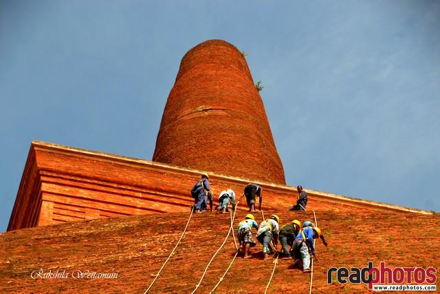 People work, On a Pagoda, Anuradhapura, Sri Lanka - Read Photos