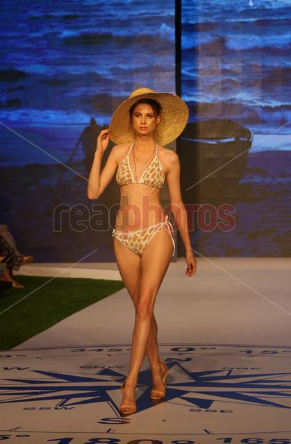 Swim week fashion show (7) - Read Photos