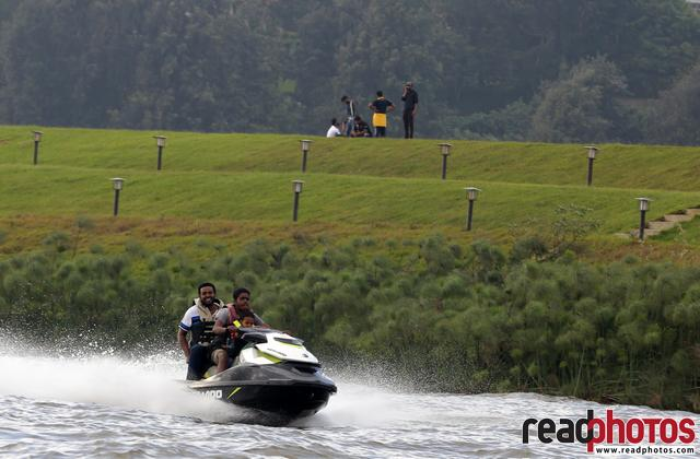 Jetski riders, Nuwara Eliya, Sri Lanka (4) - Read Photos