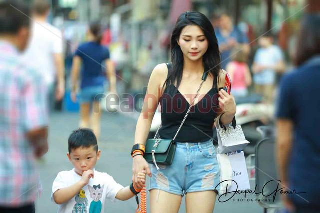 Mother and son in Thailand  - Read Photos