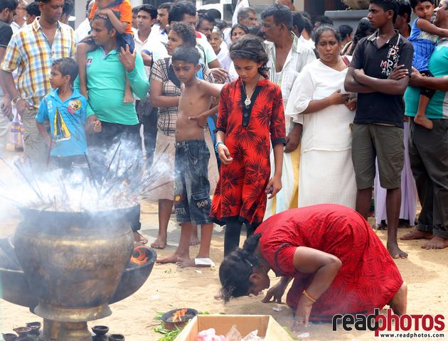 Hindu devotees, Sri Lanka (4) - Read Photos