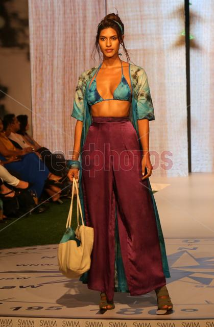 Swim week fashion show (3) - Read Photos