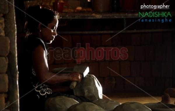 Clay pot making, Sri Lanka - Read Photos