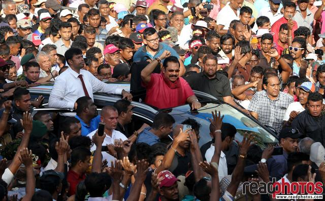 Mahinda Rajapaksha arriving to a protest, Jana balaya, 2018 (2 - Read Photos
