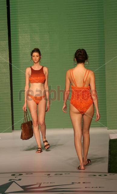 Swim week fashion show (13) - Read Photos