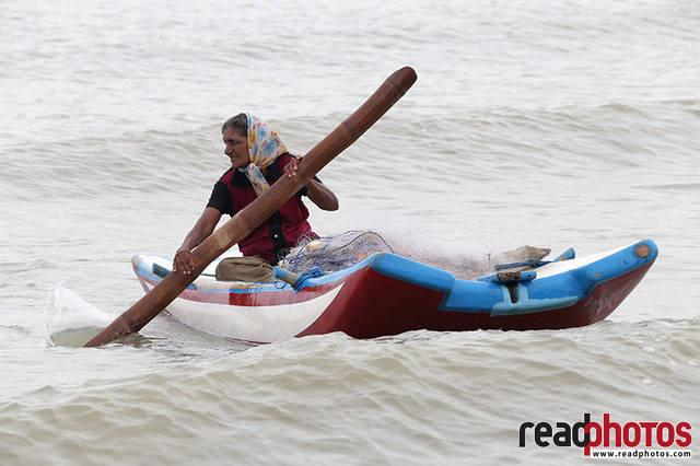 Old Lady rowing, Sri Lanka (2)