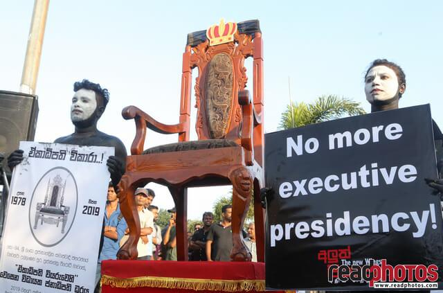 No more executive presidency– protest in Colombo Fort, Sri Lanka (3)