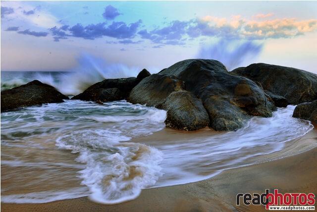 Sea waves, Sri Lanka