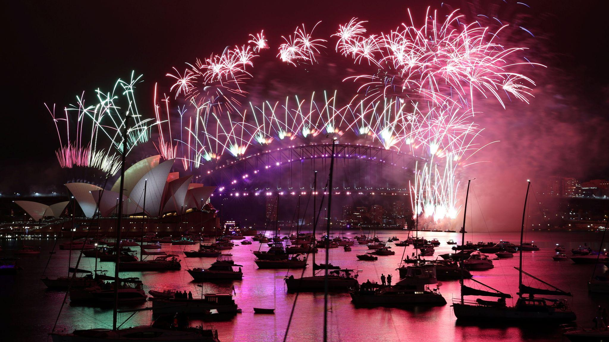 The world welcomes the new year 2021