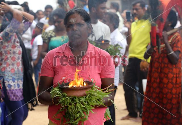 Devotee, Katharagma shrine in Sri Lanka - Read Photos