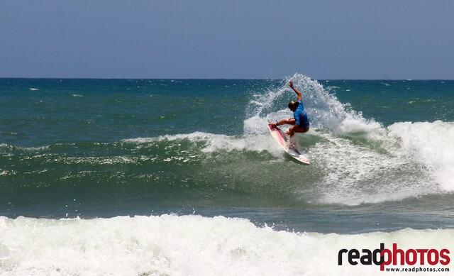 Surfing Arugambe in Sri Lanka - Read Photos