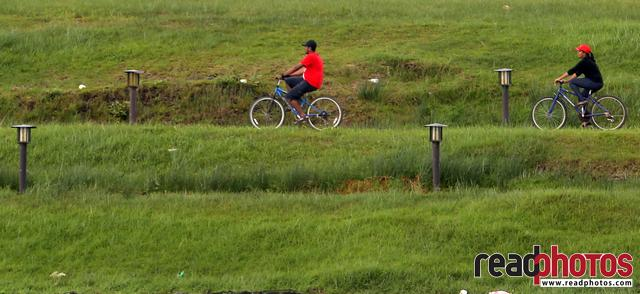 Riding bicycles, Nuwara eliya, Sri Lanka  - Read Photos