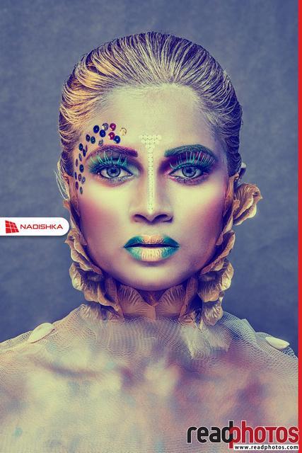 Decorated women, Sri Lanka (11) - Read Photos