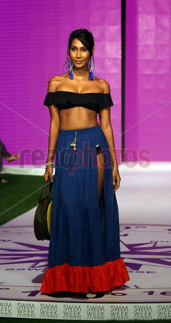 Swim week fashion show (14) - Read Photos