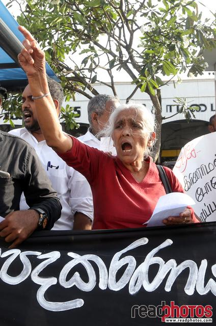 Protest at Pettah, Sri Lanka 2018 (20 - Read Photos