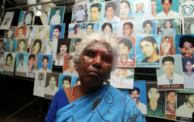 Parents of the dissapeared children in protest  Killinochchi Sri Lanka (2)