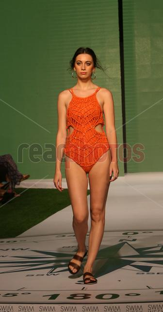 Swim week fashion show (12) - Read Photos