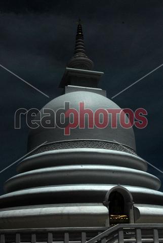 Japan peace pagoda (6), Unawatuna, Galle in Sri Lanka