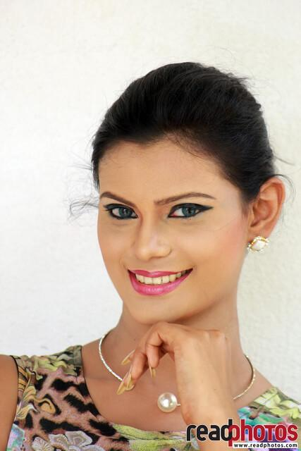 Model Wageesha (1) - Read Photos