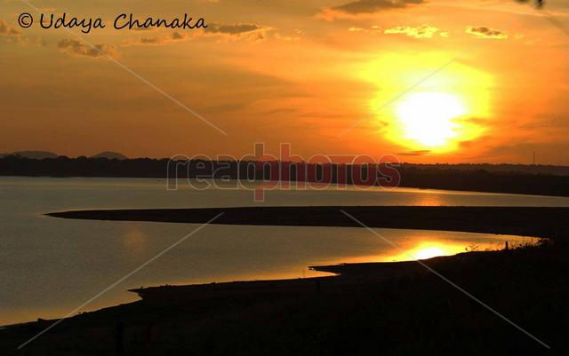 Sunset on a lake (2), Sri Lanka - Read Photos