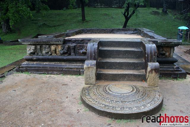 Ancient Ruins, Entrance, Sri Lanka - Read Photos