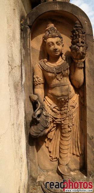 Ancient door entrance statue, Sri Lanka - Read Photos