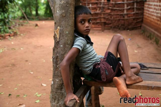 Little boy.. looking..,Polonnaruwa, Sri Lanka - Read Photos