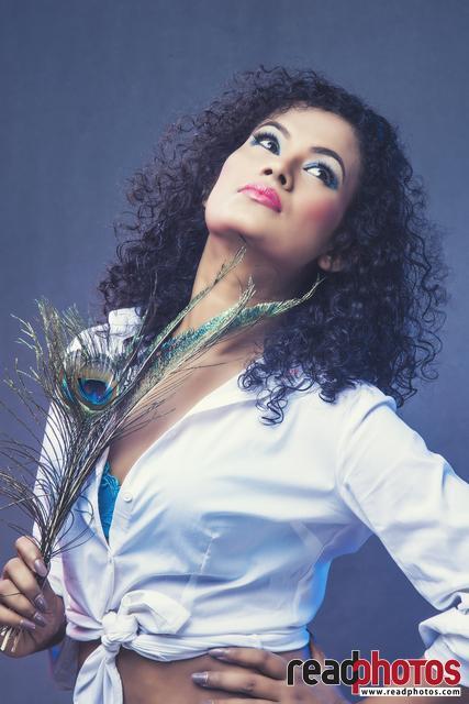 Model Nadeepa Ranasinghe (3)