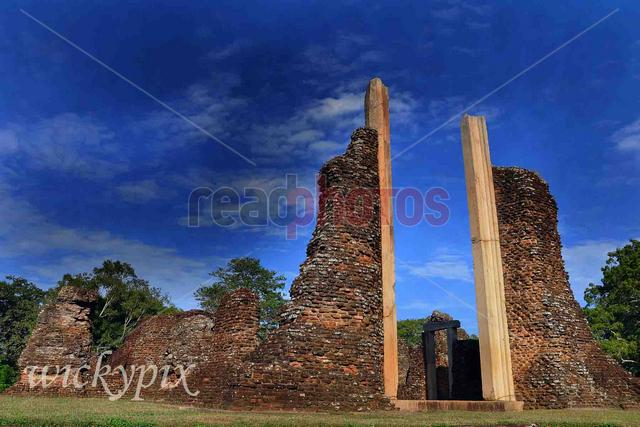 Ancient ruins in Polonnaruwa, Sri Lanka  - Read Photos