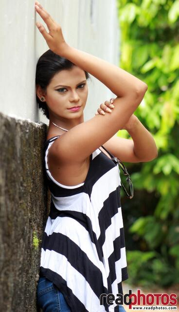 Model Wageesha (8) - Read Photos