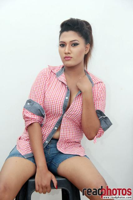 Model Hasini (10) - Read Photos