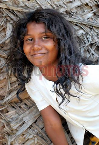 Children, Putthalam in Sri Lanka  - Read Photos