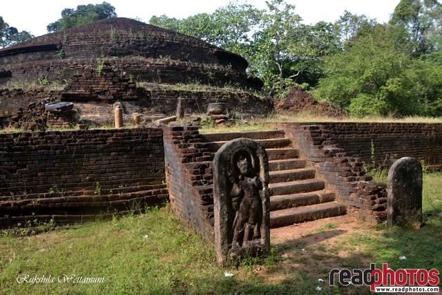 Ancient Pagoda, Sri Lanka - Read Photos