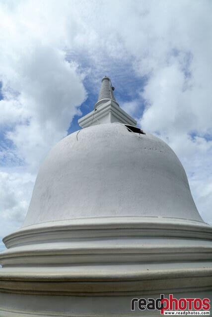 Pagoda, Clear sky, Dibulagala, Sri Lanka - Read Photos