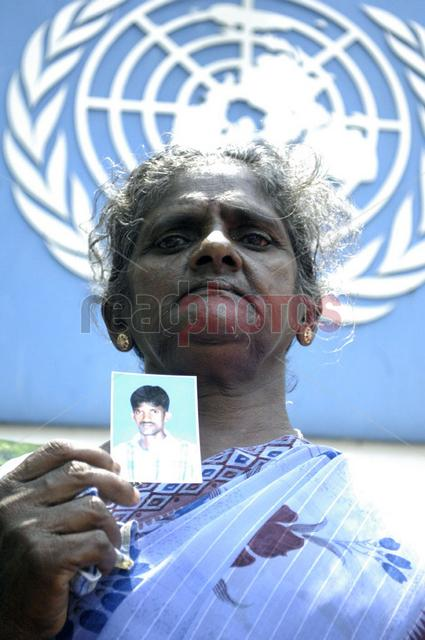 Protest for missing people in Sri Lanka, in front of the UN (2) - Read Photos