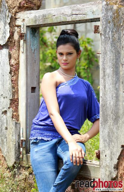 Model Wageesha (5) - Read Photos