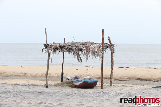 Beach in northern province, Sri Lanka - Read Photos