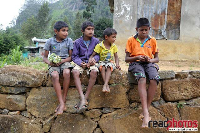 Kids upcountry Sri Lanka 5 - Read Photos