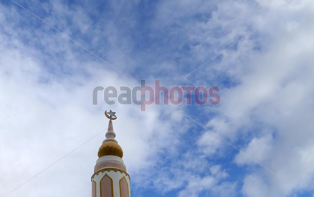 Mosque and the sky - Read Photos