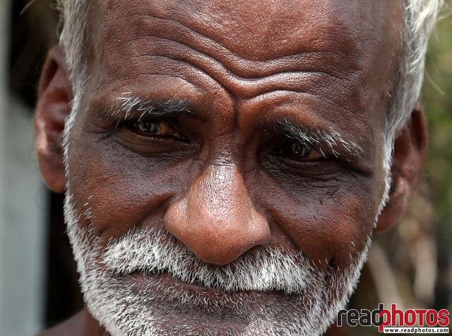 Old man, Sri Lankan - Read Photos