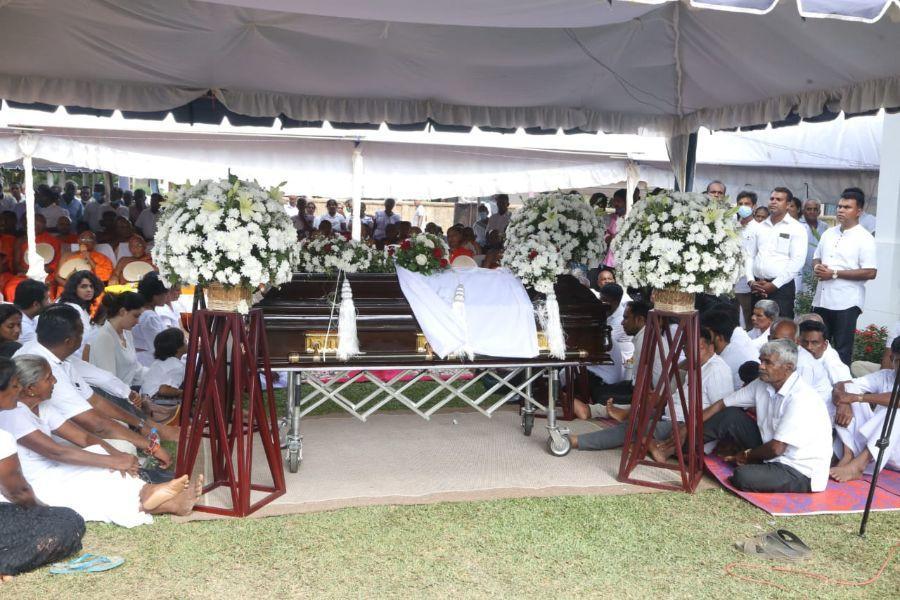 Ashoka Wadigamangawa cremation ceremony