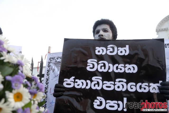 No more executive presidency– protest in Colombo Fort, Sri Lanka (13)