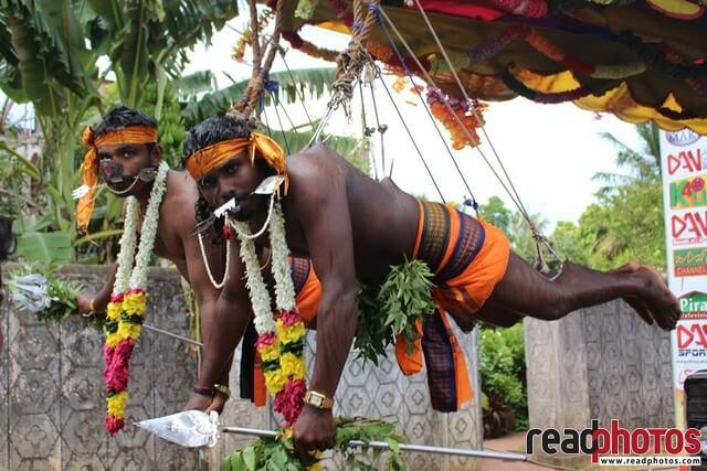 Hindu devotees, Sri Lanka - Read Photos