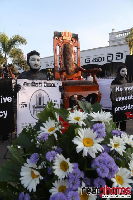 No more executive presidency– protest in Colombo Fort, Sri Lanka (11) - Read Photos