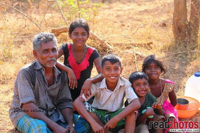 Happy family, Sri Lanka - Read Photos