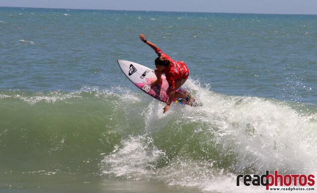 Surfing in Arugambe, Sri Lanka - Read Photos
