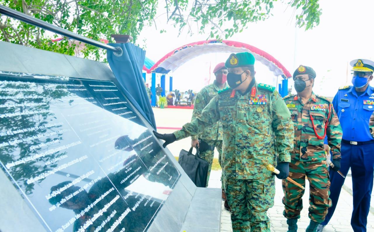 29th Death Anniversary of Late Lt Gen Kobbekaduwa and Late Maj Gen Vijaya Wimalaratne - Army.lk