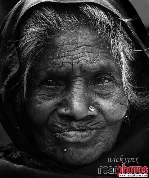 Wrinkled old women, Sri Lanka - Read Photos