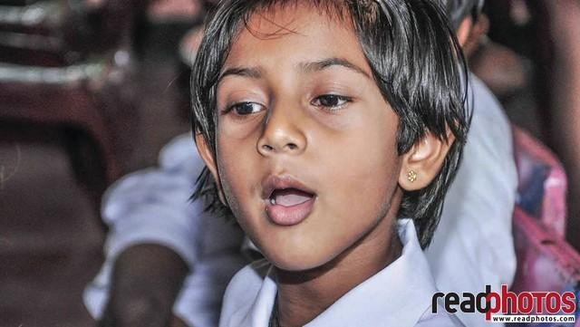 Little School girl, In a class room, Sri Lanka - Read Photos